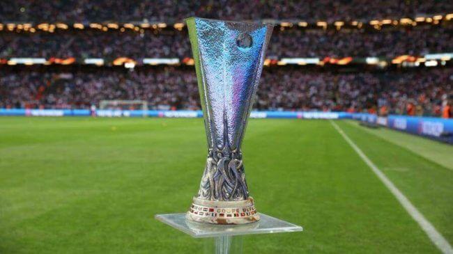 Il trofeo per la squadra vincente